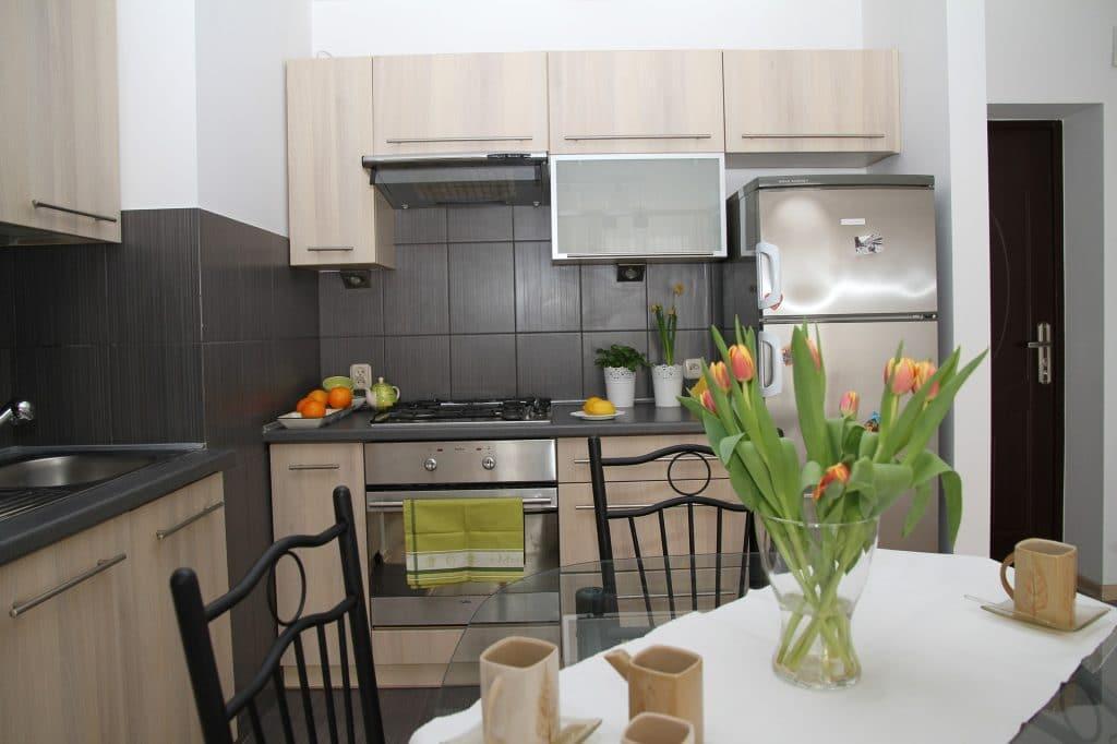 Electromenager compact pour petite cuisine