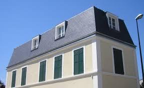 Comment mettre en œuvre une toiture mansart ?